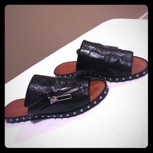 1State Black Leather Slide